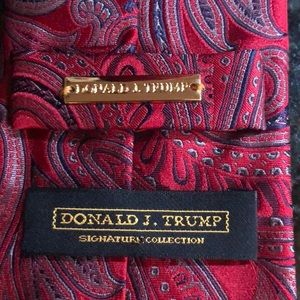 Donald J. Trump Signature Collection Red Tie